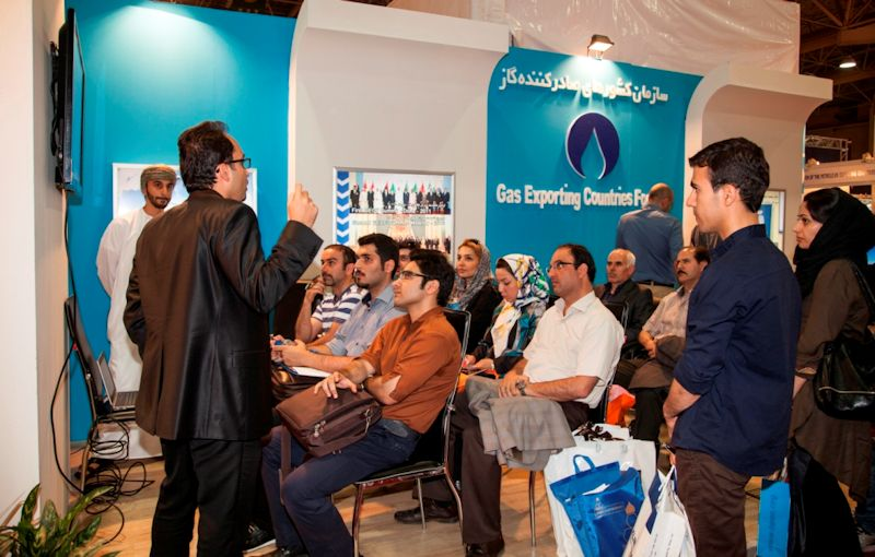 visitors-at-the-gecf-stand-attending-a-presentation-by-mohammed-amin-gorji-lng-cng-gtl-market-analyst